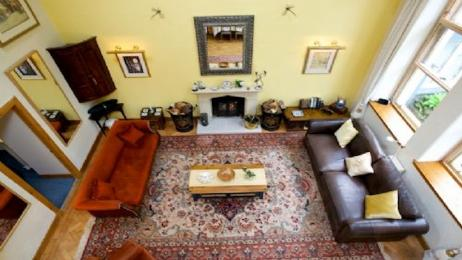 Ruggles Cottage lounge