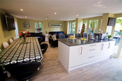Open plan kitchen, diner and lounge