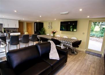Open plan lounge, diner and kitchen