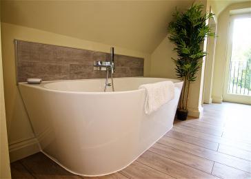 Bath in the first floor triple bedroom