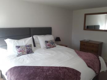 Ground floor bedroom with Super Kingsize bed