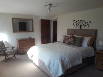 Ground floor bedroom with Kingsize bed