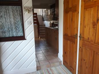 Entrance with small 120mm step