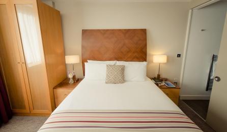 2 bed main Bedroom