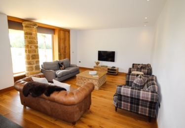 The Cart Shed - Living area