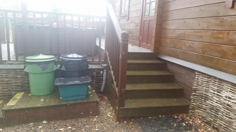5 steps up to Wagtail Lodge main entrance