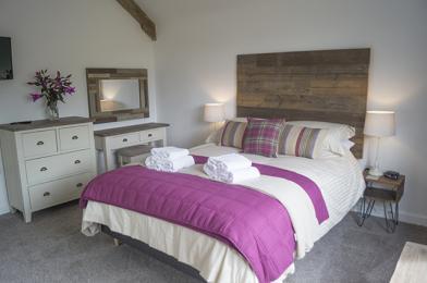 1st floor double bedroom with ensuite
