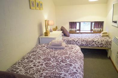 Twin bedroom on 2nd floor