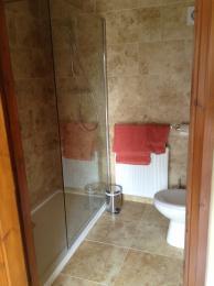 Annexe 2 bathroom