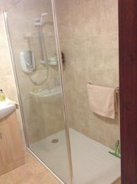 Annexe 4 bathroom