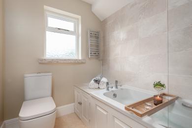 Saltwater Cottage Bathroom
