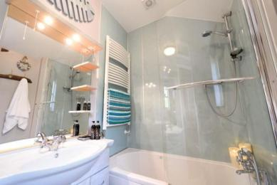 Bathroom meadowview cottage luxury cottage cornwall