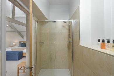 Master Bedroom En suite, Second Floor