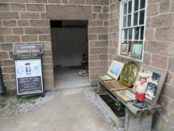 Entrance to Cromford Mill Antiques