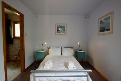 Burnside en-suite bedroom