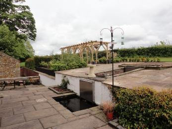 Home Barn garden