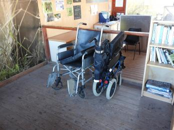 Free to use wheelchairs for those less mobile.