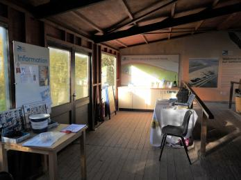 Greeting point area inside reception hide with spacious meeting point and access to upper viewing area.