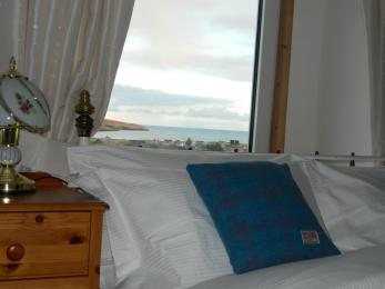 Room 2 Kingsize showing sea view.