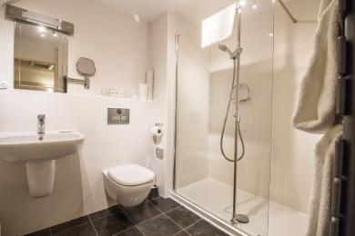 Derwent's en suite has a large walk-in shower