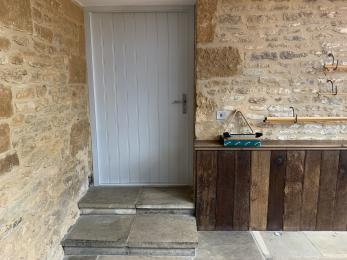 Tew Farmhouse - Dining room door with steps to garden