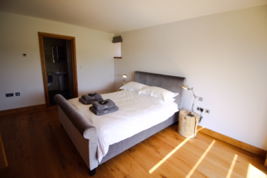 The Cart Shed - Ground floor bedroom