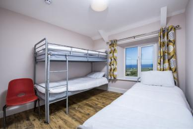 Example Farmhose bedroom