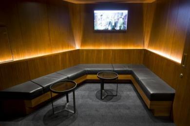 Image of mezzanine seated area.