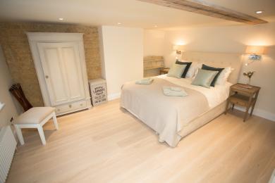 Mastrer bedroom 1st floor