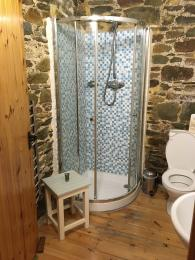 Shower cubicle within en-suite