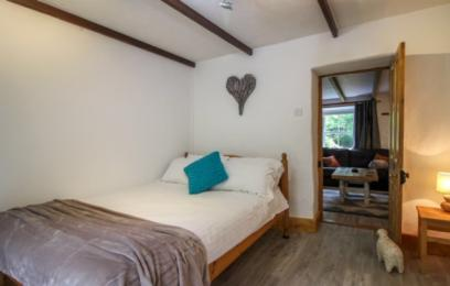 Hollowtree Cottage ground floor double bedroom