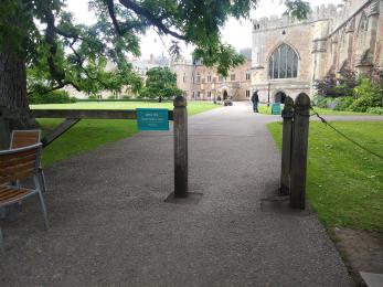Access gate to Palace building and Gardens