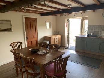 LFHC - Mount View kitchen diner