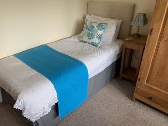 LFHC - Mount View twin bedroom