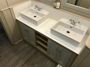 Male Toilet Sinks