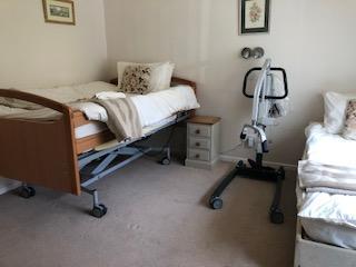 We can arrange hoist hire for bedroom 2