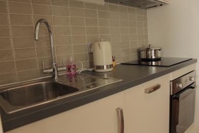 Machray sink, hob and oven. A kettle tipper is available on request.