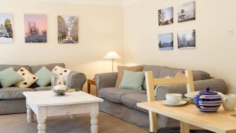 Craigrossie lounge