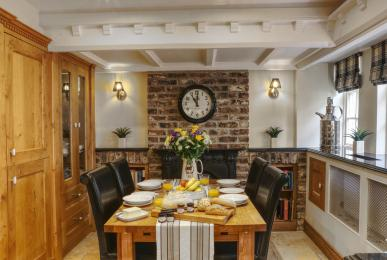 Inglenook Cottage, West Burton - dining area