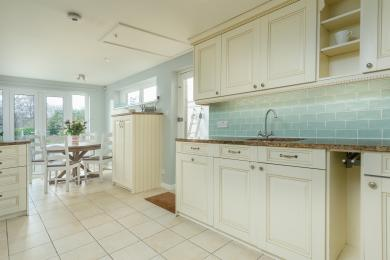 Heron House Kitchen/Dining Area
