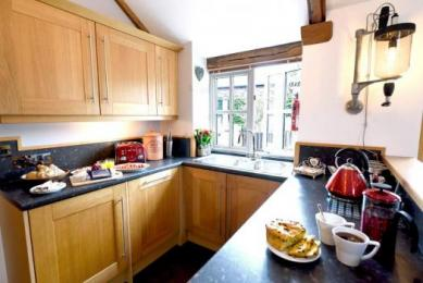 Meadowview Cottage a luxury cottage Cornwall. Garden views makes self catering holidays a pleasure at our family friendly and romantic luxury self catering cottage Cornwall