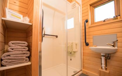 Towels, shower & sink
