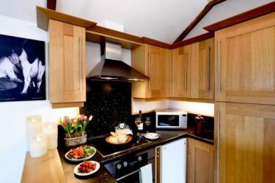 A fully equipped kitchen makes self catering a doddle at our family friendly and romantic luxury self catering holiday cottage in Cornwall