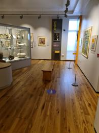 The middle gallery