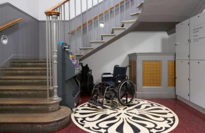 Modern Two - Level 0 - Lockers and wheelchairs to borrow