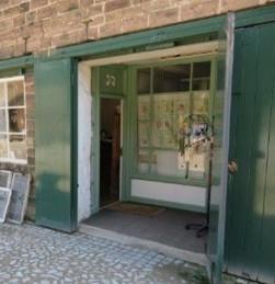 Shared main doorway, and inner doorway.