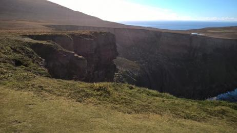 Old Man of Hoy path unprotected cliff edge