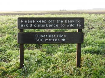 Distance sign to grazing marsh view point, Ouseflett hide and viewing screen.