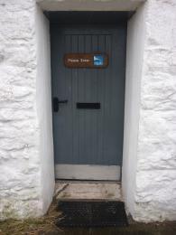 Access door with 830mm access
