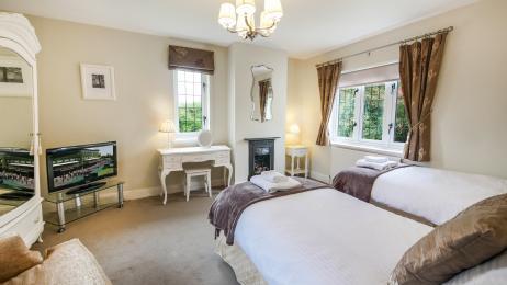 Lyndhurst Bedroom 2